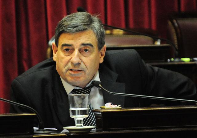 Cimadevilla dijo que el gobierno nacional dejó a la Patagonia, fuera del proyecto ferroviario
