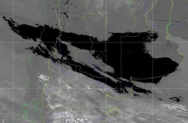 La nube de cenizas del volcán Calbuco se acerca a la Capital Federal