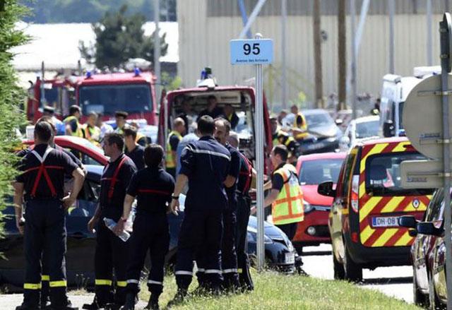 Ataque terrorista en Francia: decapitaron a un empleado y quisieron volar una fábrica de gas