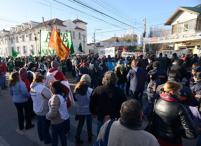 El paro se sintió con fuerza y amenazó el sindicalismo opositor con más protestas - Foto: OPI Santa Cruz/Francisco Muñoz