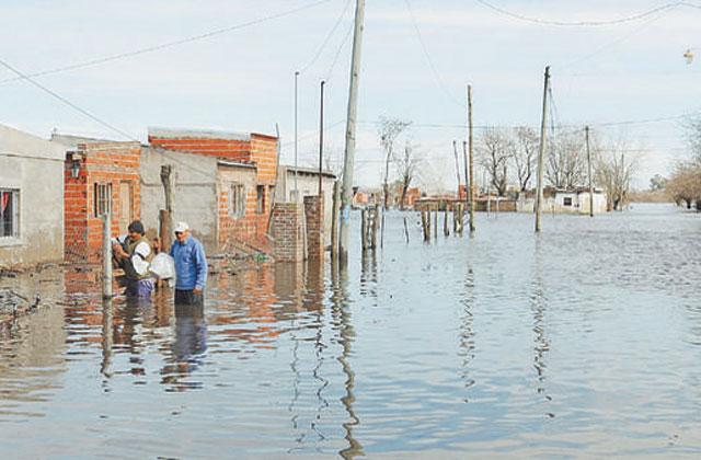 El alivio no llega: hay alerta por más lluvias en las áreas inundadas