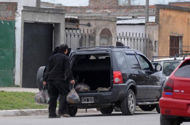 Tucumán: Alperovich admitió la entrega de comida por votos