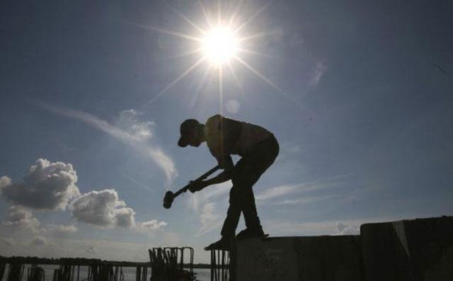 El trabajo en negro no cede y trepó al 37% en el conurbano