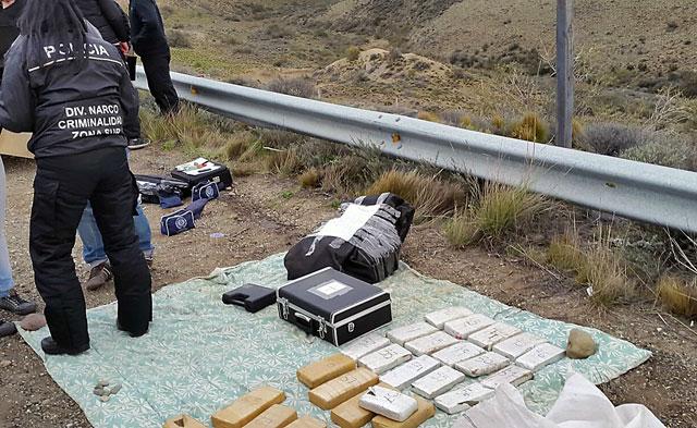 Operativo policial en Santa Cruz secuestra 80 Kgs de droga proveniente de Paraguay
