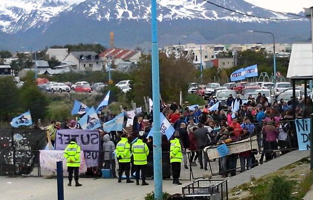 Piden 28 condenas y 5 absoluciones a docentes en Tierra del Fuego
