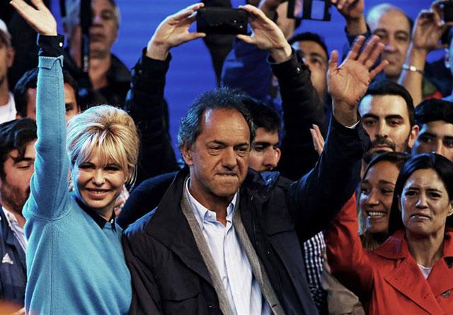Scioli: con la estrategia del miedo y la demonización de Macri