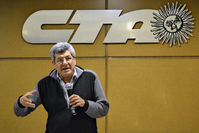 Víctor de Gennaro apoyó el reclamo de ATE en casa de gobierno y cuestionó el accionar del Ejecutivo