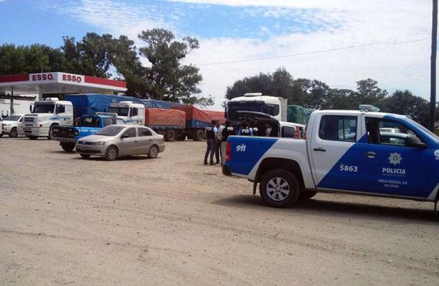Se intensifica la búsqueda de los sicarios prófugos: Gendarmería controla auto por auto en las rutas