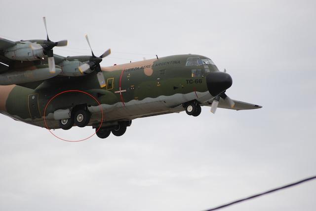 El Hércules 130 de la FAA matricula TC-66 llegando a Río Gallegos – Foto: OPI Santa Cruz