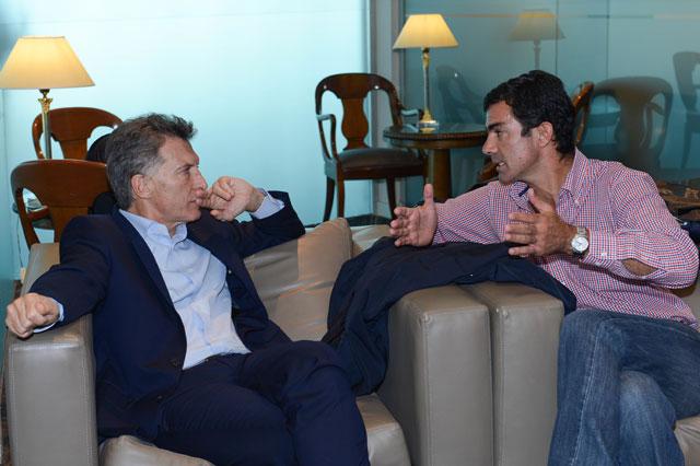 Macri les garantiza fondos a las provincias y avalan un polémico DNU