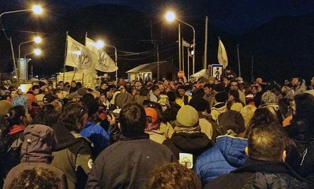 En Tierra del Fuego, los gremios decidieron seguir con las medidas de fuerza
