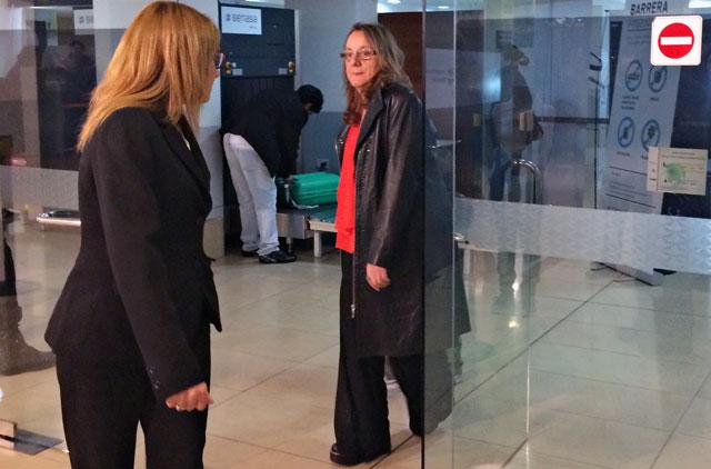 Alicia Kirchner en primera clase de Aerolíneas y leyendo Clarín