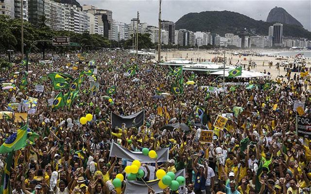 Un millón de personas exige en las calles de Brasil la renuncia de Dilma