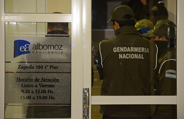 Gendarmería allana la escribanía de Albornoz, socio y armador de los negocios de Lázaro
