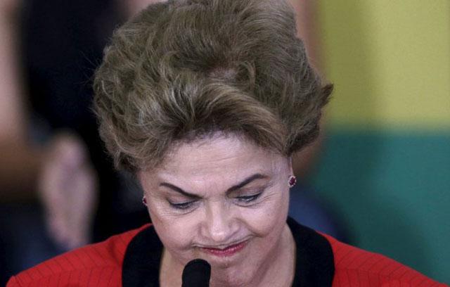 Se desbarata el gabinete de Dilma y surgen críticas por su viaje a EE.UU.