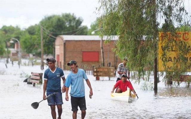 Inundaciones en el Litoral: hay 7.000 evacuados y 15.000 damnificados