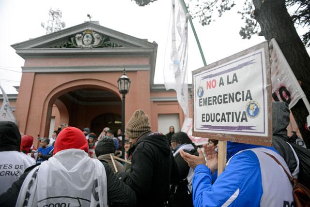 """Los docentes vuelven a clase pero advierten sobre el rechazo """"in límine"""" de la Ley de Emergencia Educativa"""