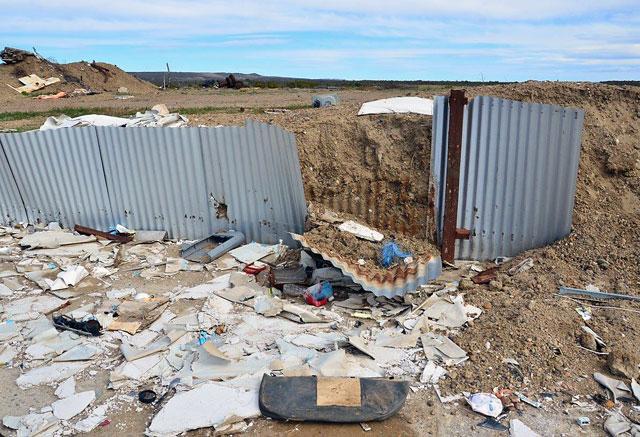 Denuncian a empresarios de Comodoro, de saquear y vaciar los obradores de Austral Construcciones en Caleta - Foto: Gustavo Paz