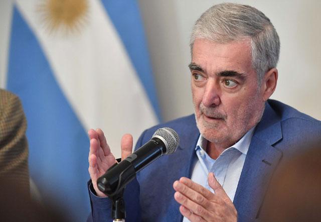 Ministro confirmó que Das Neves está bajo tratamiento quimioterapéucito  y fundamenta su deterioro físico