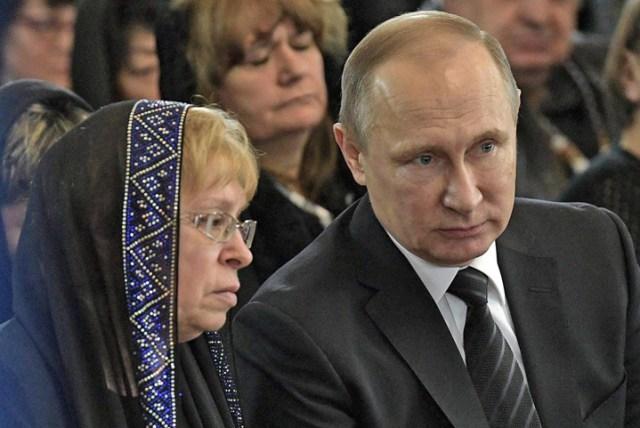 Vladimir Putin y Rusia despiden al embajador asesinado en Turquía
