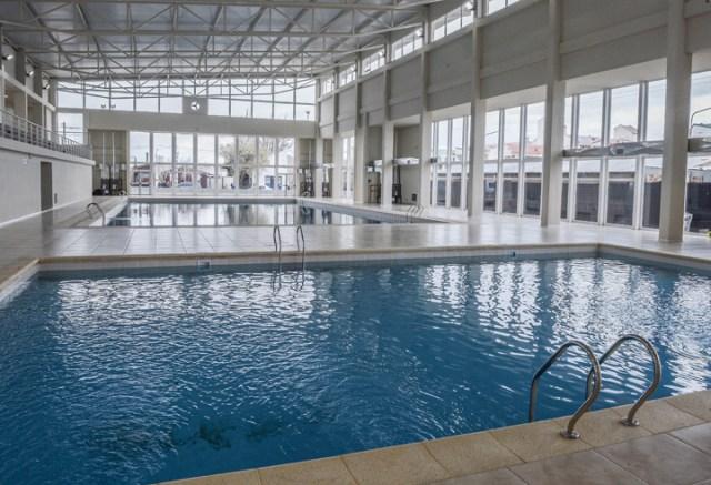 El natatorio que CFK y Meolans inauguraron en 2015 no funciona, fue sobrefacturado y recién ahora lo denuncian