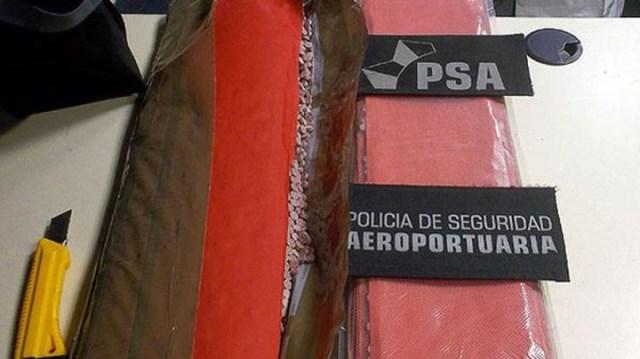 Llegaron 64.000 pastillas de éxtasis en el mismo vuelo en el que volvió Mauricio Macri de España
