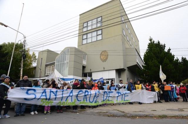 Tercera marcha provincial multitudinaria por Educación, Salud, Justicia y Salarios y la adhesión del comercio local