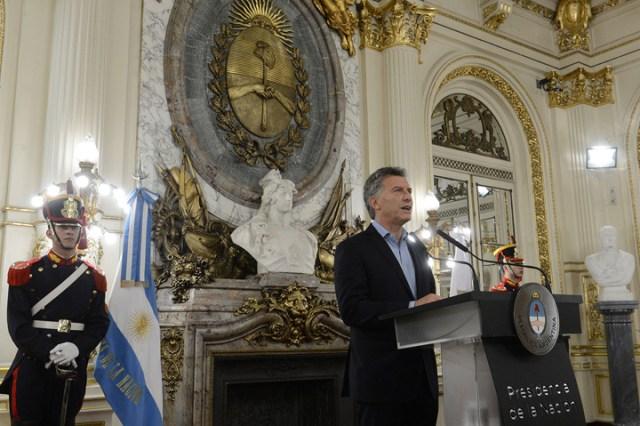 """Macri habló de combatir las """"mafias"""" sindicales y volvió a cuestionar el paro general"""