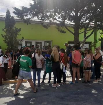 Municipales de Las Heras reclaman, Carambia no aparece y todos aguardan una reunión con la gobernadora