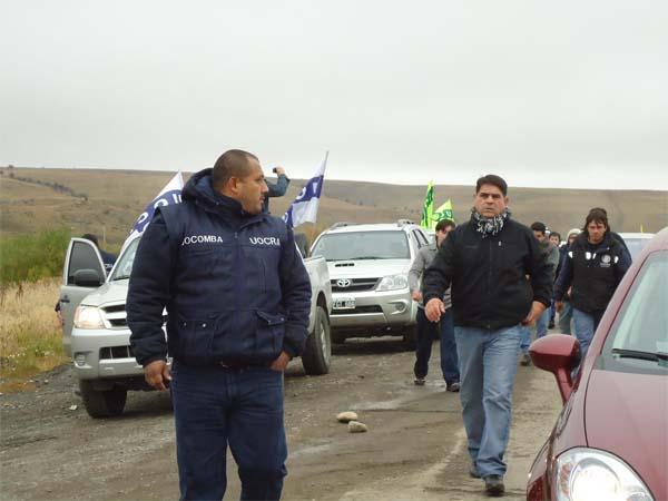 Momentos en que se produce la llegada de la gente de la UOCRA en 28 de Noviembre