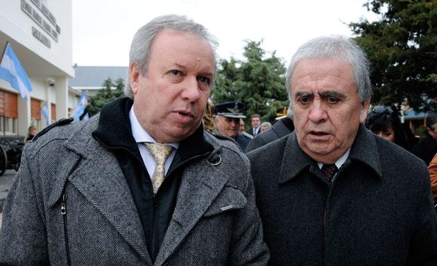 Daniel Peralta junto a Raul Cantin - Foto: OPI Santa Cruz/Francisco Muñoz