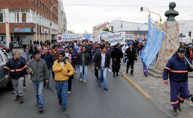Movilización del SOEM hacia el Municipio - Foto archivo: OPI Santa Cruz/Francisco Muñoz