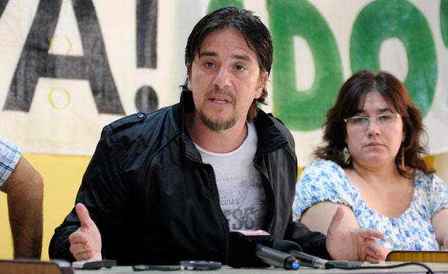 El Secretario General de Adosac Pedro Cormack en conferencia de prensa - Foto archivo: OPI Santa Cruz/Francisco Muñoz