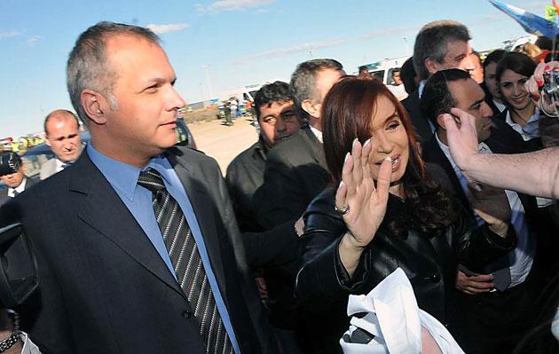 El Gobernador de Chubut Martín Buzzi junto a Cristina Kirchner - Foto archivo: web