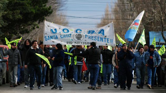 Los trabajadores de la Uocra movilizados en Río Gallegos - Foto: Archivo OPI Santa Cruz/Francisco Muñoz