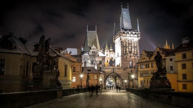 Praha, Karlov most, noc