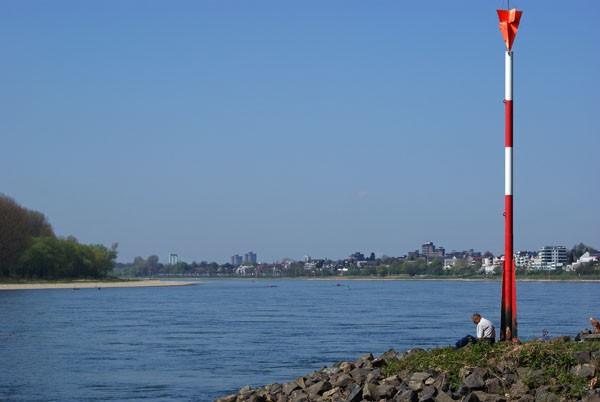 Verschnaufen am Rhein