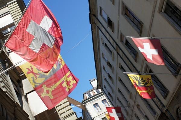 Beflaggt: Genfer Altstadt