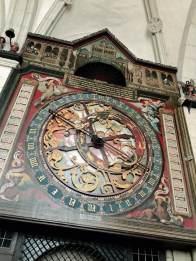 Uhr im Dom in Münster