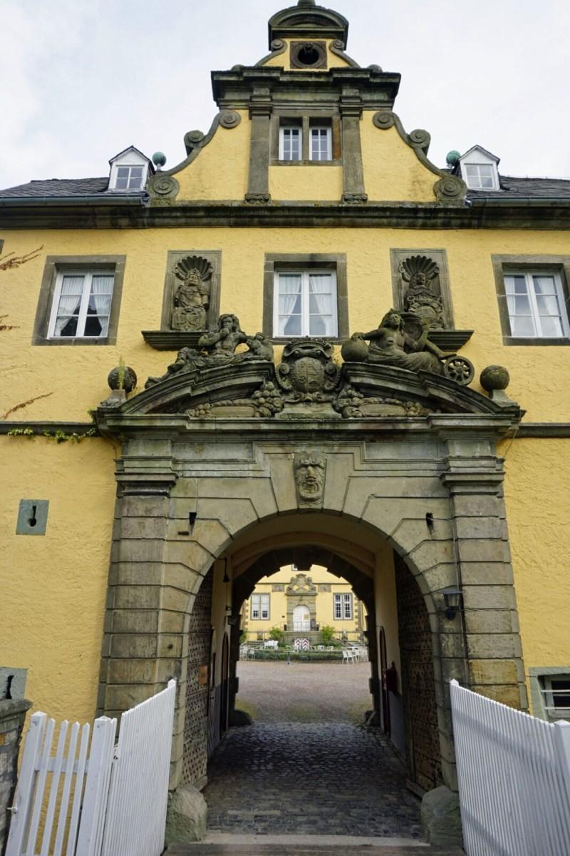 Schloss Eringerfeld: Vom Lost Place zum Hotel?