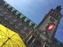 Treffpunkt: gelber Schirm