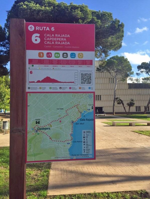 Der Wanderweg beginnt am Centro Cap Vermell