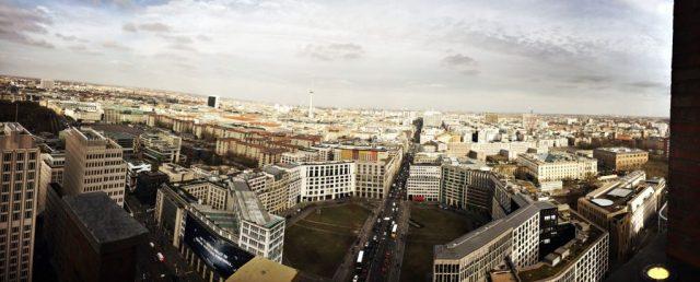 Weiter Blick über die Hauptstadt