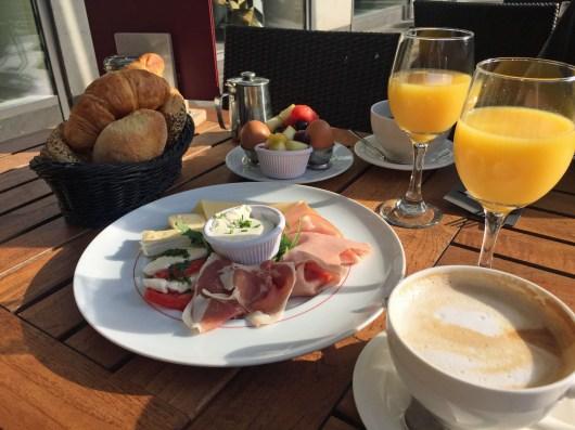 Frühstück für zwei im Café Melange in Hamburg