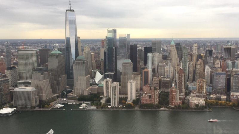 Hubschrauberrundflug in New York: One World Trade Center