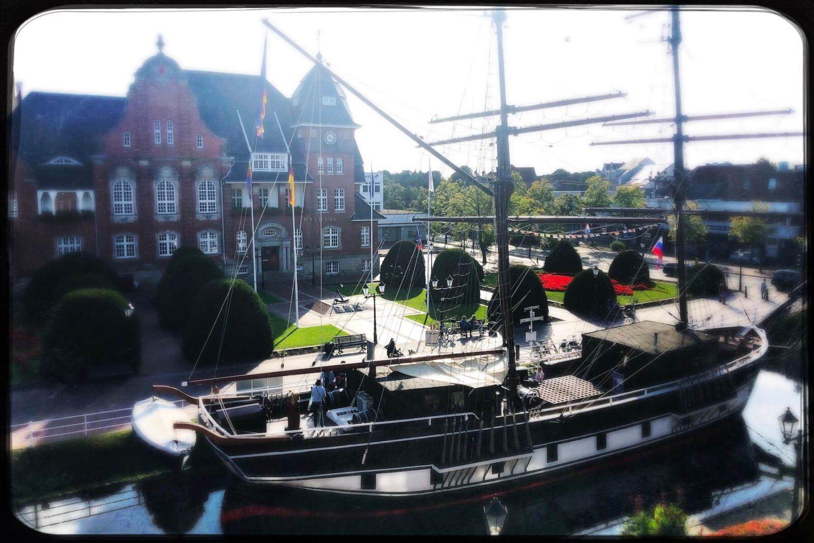 Papenburg: Von Torfstechern und Kreuzfahrtschiffen