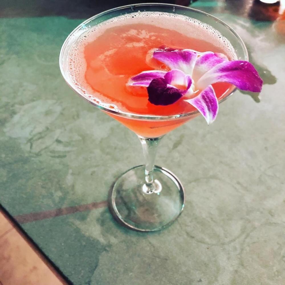Cocktail im Spire 73
