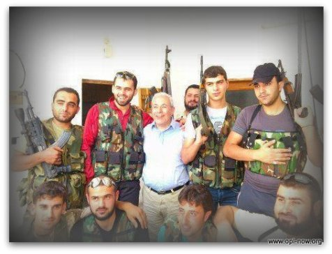 برهان غليون يصل الى الاراضي السورية ويجتمع بالاهالي