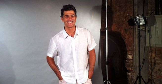 Eduardo Moscovis na apresentação da série Louco por Elas (Foto: TV Globo)
