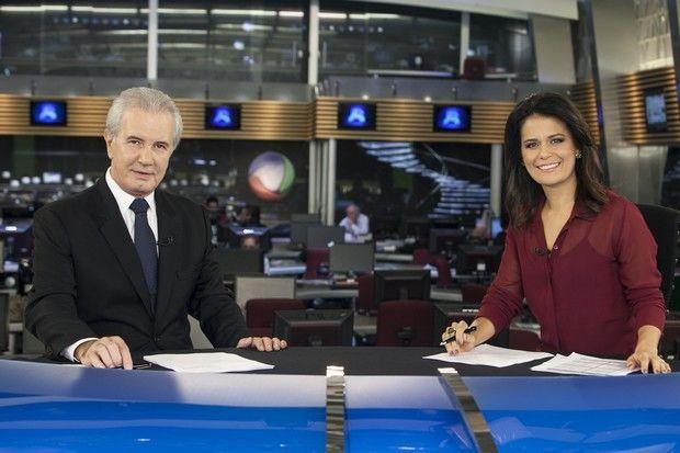 Celso Freitas e Adriana Araújo comandam o JR (Foto: Divulgação/TV Record)